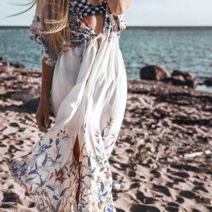 Robe de plage printanière face