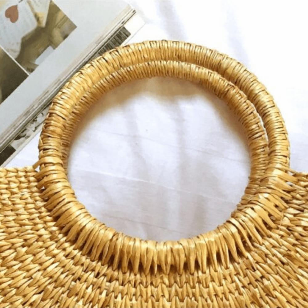 Petit panier rigide en paille detail extérieur