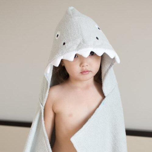 Serviette de plage à capuche pour enfant requin