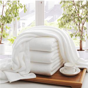 Serviette de plage en coton blanc 1